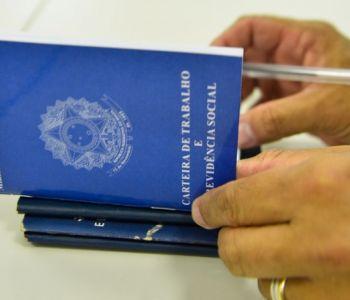 Em meio à crise, governo permite suspensão de contrato de trabalho por 4 meses