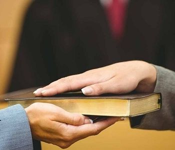 Testemunha que tem ação contra o mesmo empregador não é considerada suspeita