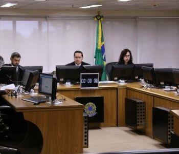 TRF4 nega embargos de declaração de Lula e mantém condenaçãona ação do Sítio de Atibaia
