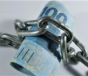 Negada penhora de proventos de aposentado que recebe salário mínimo