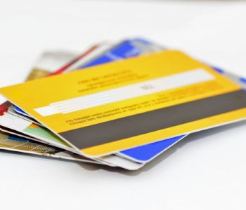 Cartão de crédito consignado não contratado é inexigível e dano moral é configurado