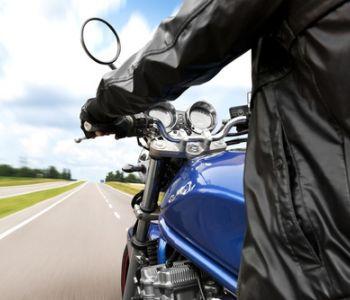 Promotor de vendas receberá adicional de periculosidade por uso de moto no trabalho