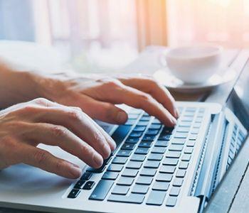 Cabe multa cominatória em ação de fornecimento de dados para identificar ofensor virtual