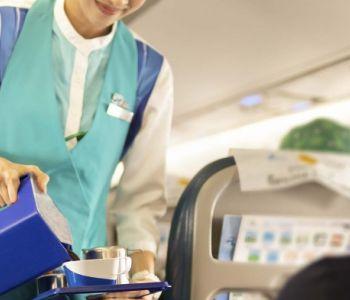 Empresas aéreas não pagarão a mais a comissária por cobrança de refeições dos passageiros